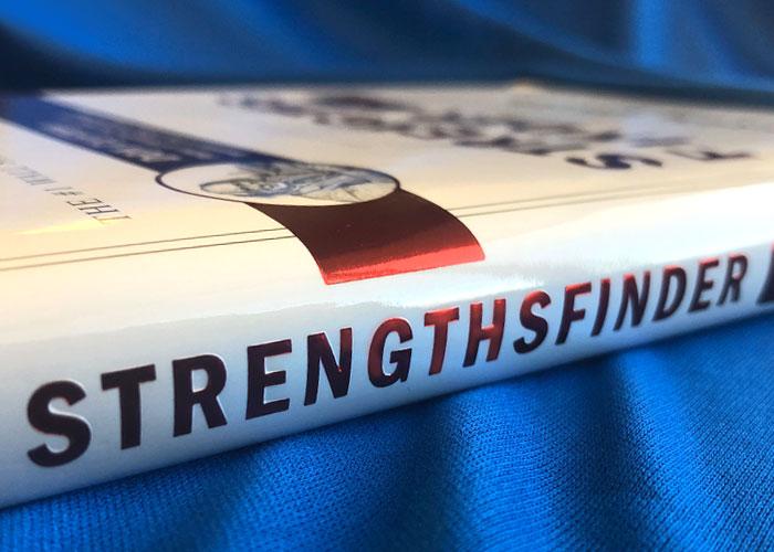 StrenghtsFinder book